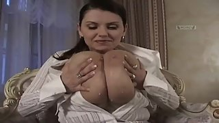 ROKO VIDEO-Milena Velba Milk