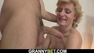 Young guy picks up skinny mature blonde for sex