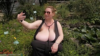candid busty BBW taking selfies lilydreamboobs