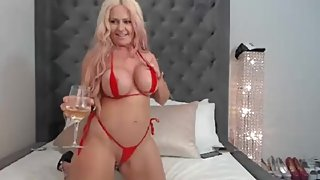 Hottest Big Booty Babe Webcam Show with Kelley Cabbana