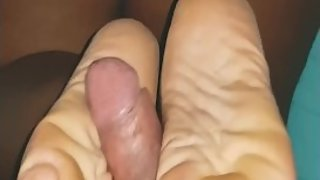 Doing a reverse footjob to my hot neighbor