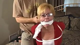Mature MILF Kelly Bondage