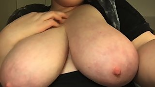 Mommys huge juicy tits