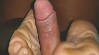 His cock strobling while I giving a reverse footjob